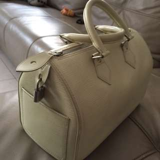 LV EPI Leather speedy 30