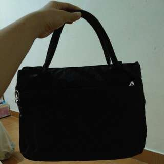 Kipling calia halia black flower ori