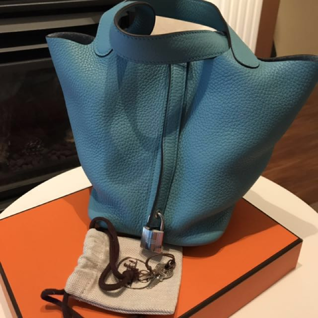[100% Authentic] Hermes Picotin 18 Blue Saint Cyr Clemence Leather