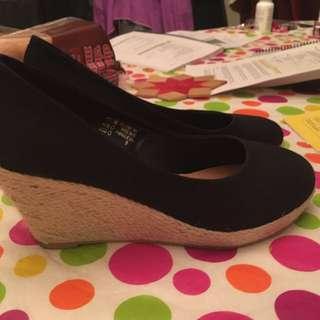 Cork shoes black size 9