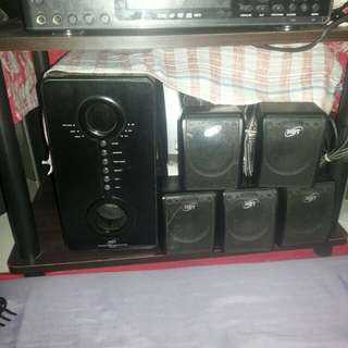HDT 5 in 1 home theater speakers w/DVD player for karaoke
