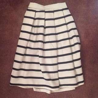 Midi White And Black Stripped Skirt