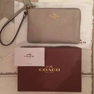 COACH SMALL WRISTLET IN CROSSGRAIN LEATHER Grey