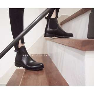 Alexa&Love 英倫經典復古牛皮雀兒喜靴低跟Chelsea Boots 素面短靴(特)