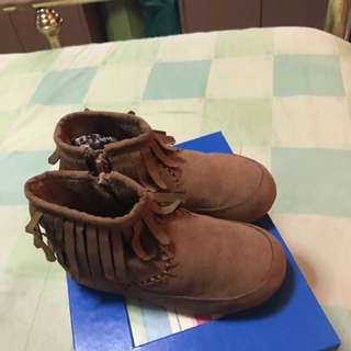 Kids boots size 25