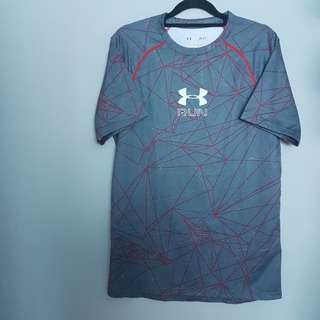 Authentic Under Armour UA Run Fitted Heatgear Tshirt Graphic