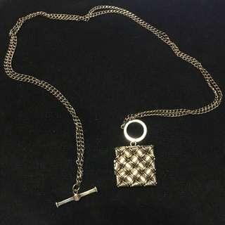 Simple unique necklace