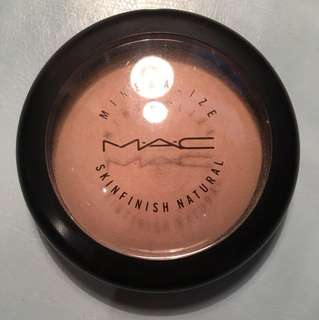 "Mac Mineralized Skin Finish ""Light"""