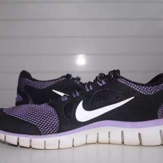 Nike shoes free runs