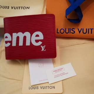 LV supreme wallet *with certificates*