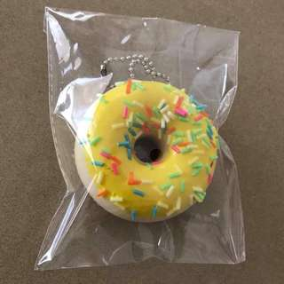 NEW 6.5cm donut squishy with sprinkles on ball keychain