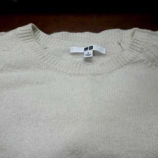 uniqlo白色毛衣