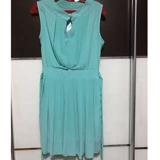 Fully lined summer dress with waist tie