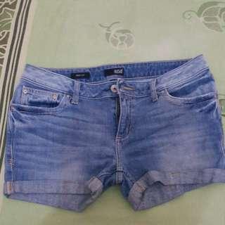 Dijual celana pendek jeans murah meriah!!