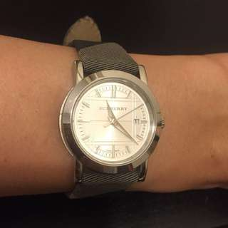 Authentic Burberry ladies watch - classic style