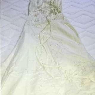 Wedding gown w/ long veil
