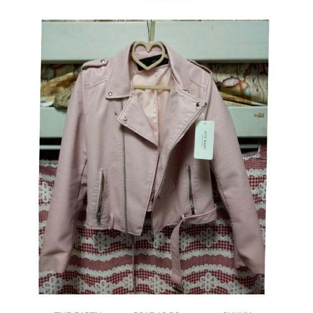 全新粉色皮外套