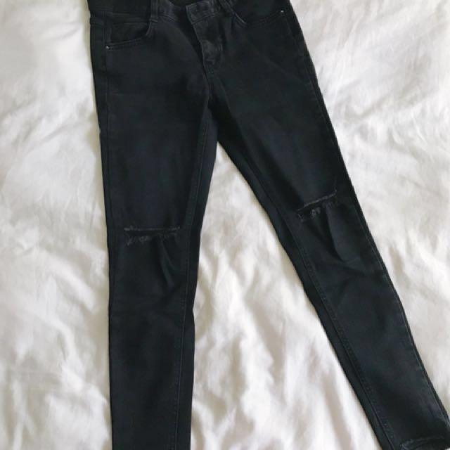 韓國激瘦膝蓋割破黑褲