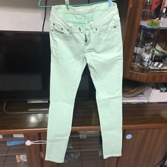 馬卡龍綠牛仔褲