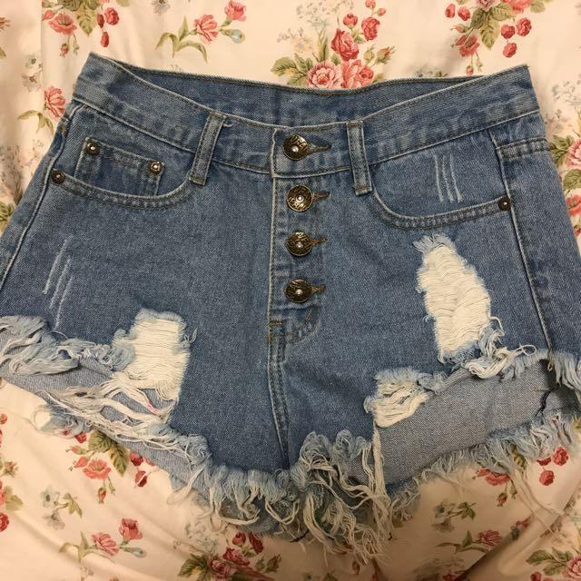 二手轉賣 顯瘦 排扣刷破牛仔短褲 M