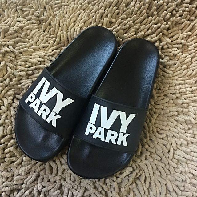 💯 Authentic Ivy Park Logo Sliders (Topshop)