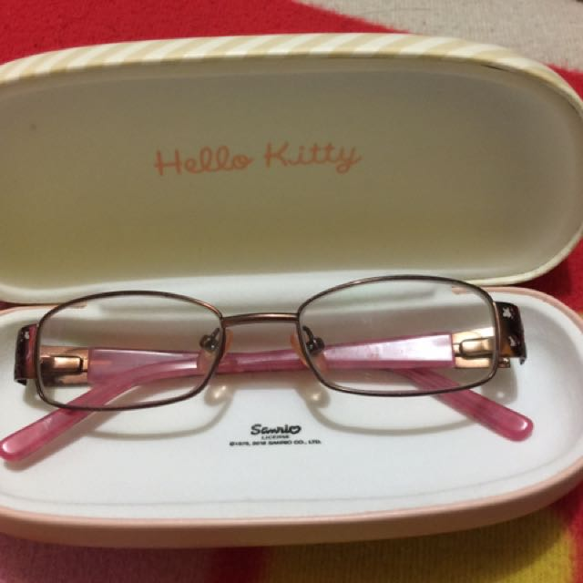 0c201058a Authentic hello kitty eyeglass case, Women's Fashion, Accessories on  Carousell