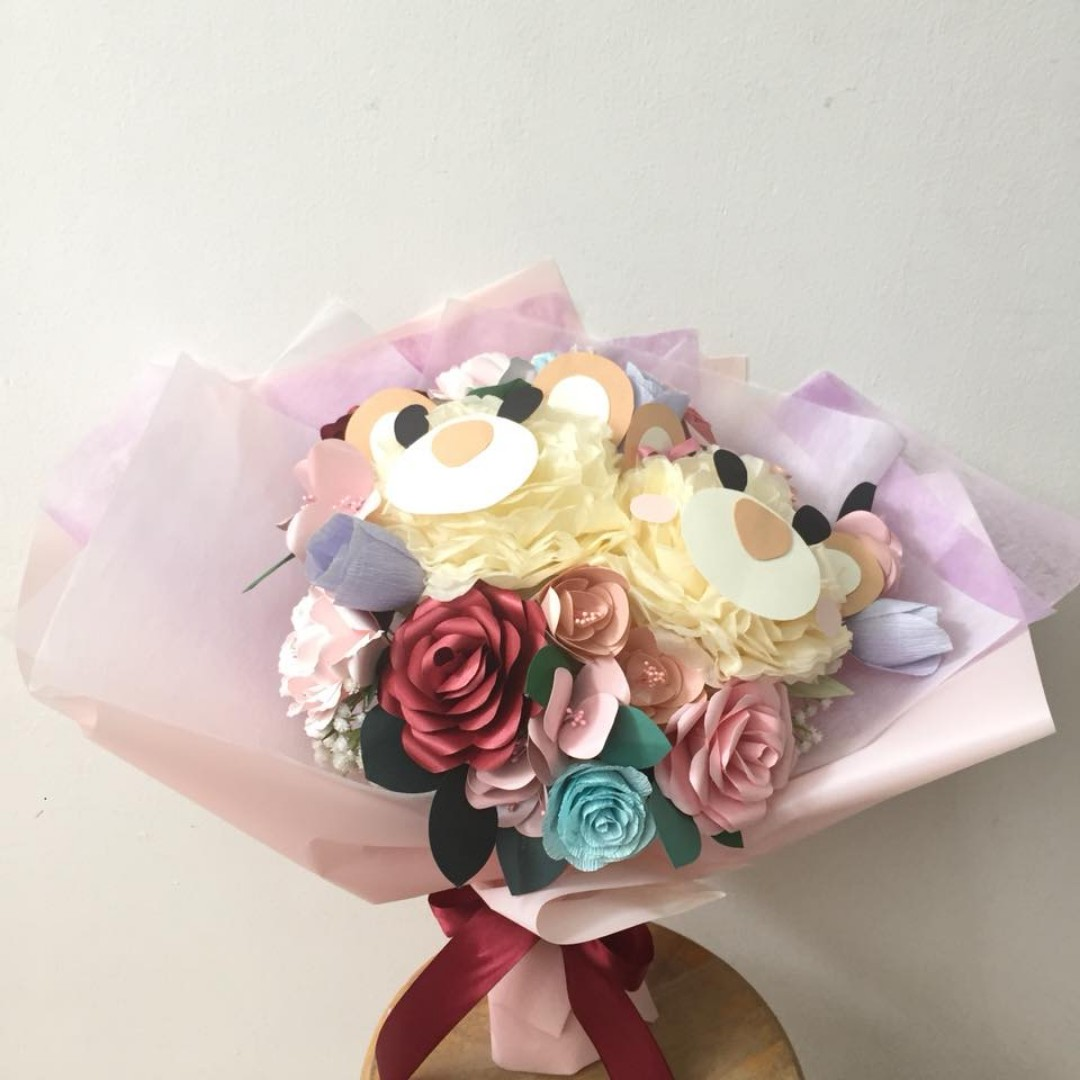 Bear bear paper flower bouquet
