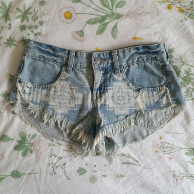 Size 8 Billabong denim shorts