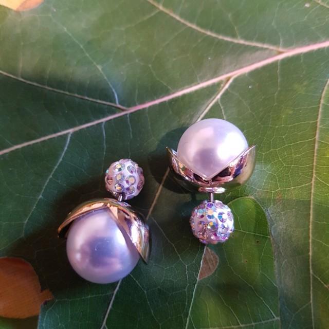 BRAND NEW pearl earrings