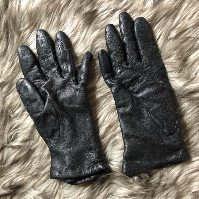 Faux leather  winter gloves