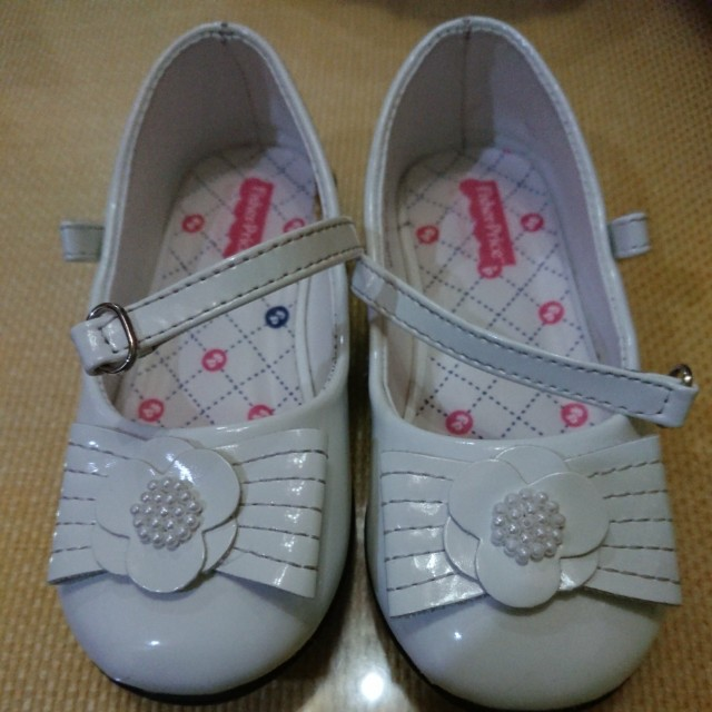 Fisher Price White Shoes -Deanna Size 8