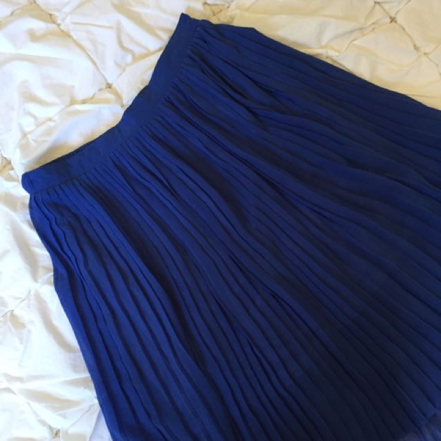 Forcast Waterfall Pleated Skirt