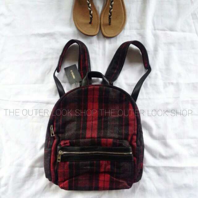 SOLD OUT! FOREVER 21 Plaid Backpack (Last price)