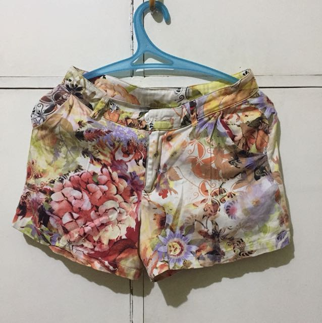 Freeway floral shorts