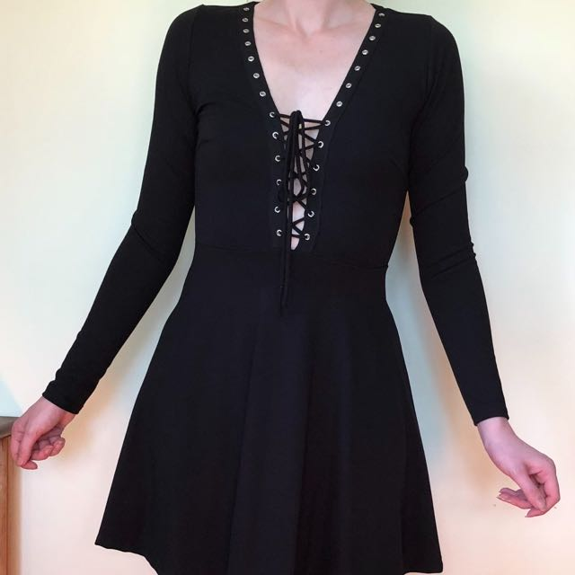 Gypsy Warrior lace up black mini dress v neck size S