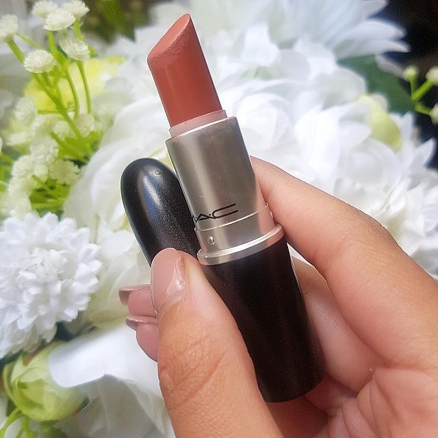 Kinda Sexy MAC lipstick