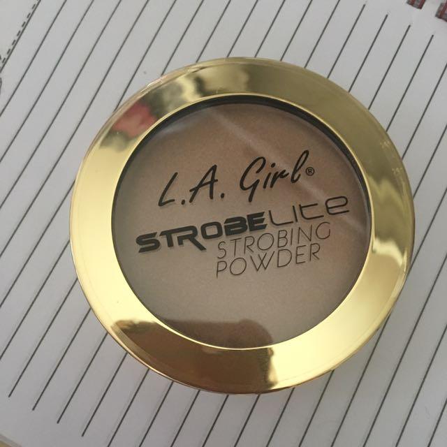 LA Girl StrobeLite Highlighter Powder 50 Watt
