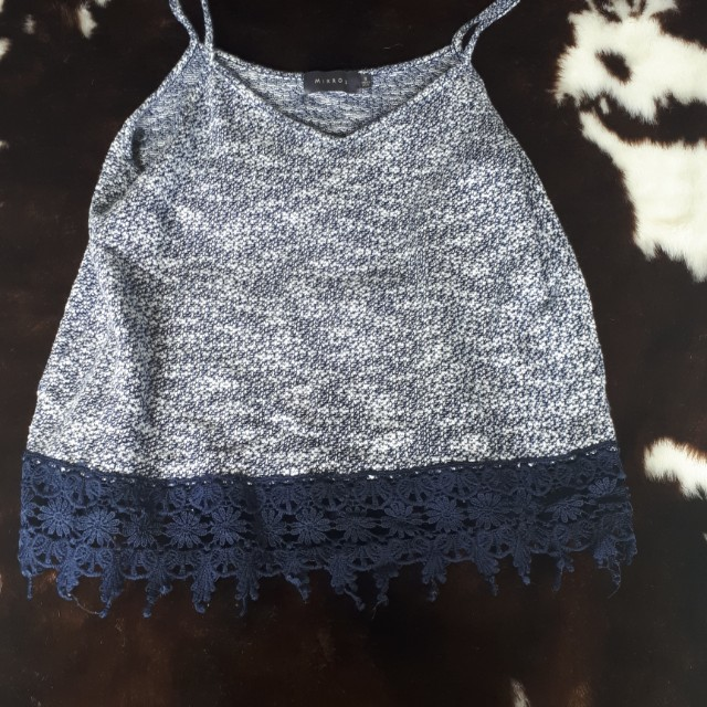 Lace trim crop