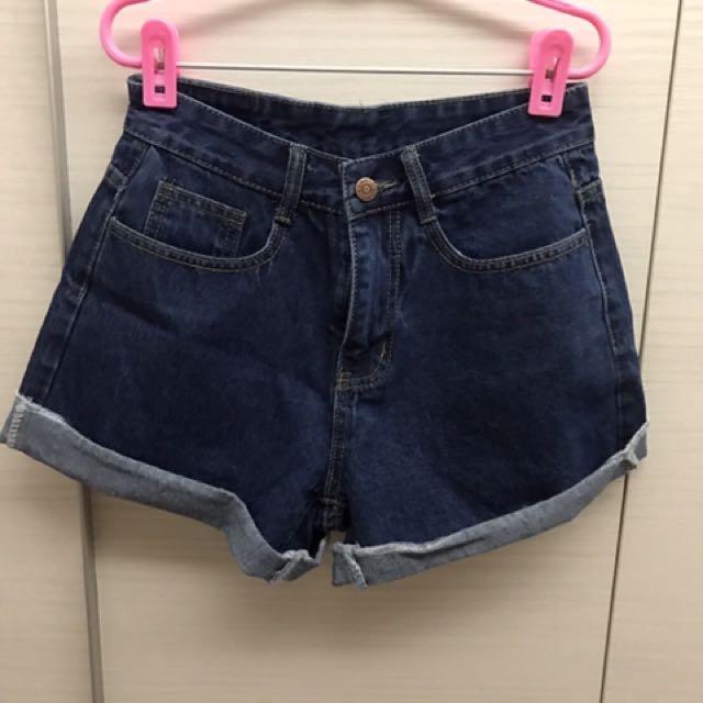全新M號牛仔短褲