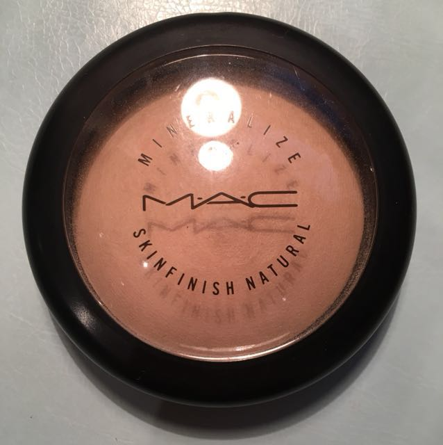 "Mac Mineralized Skin Finish ""Light"""