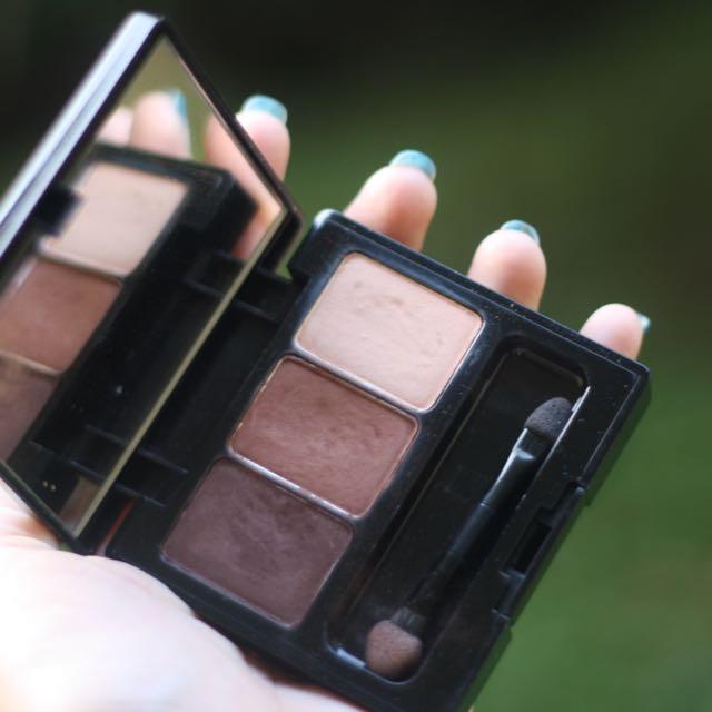 Makeover eyeshadow palette