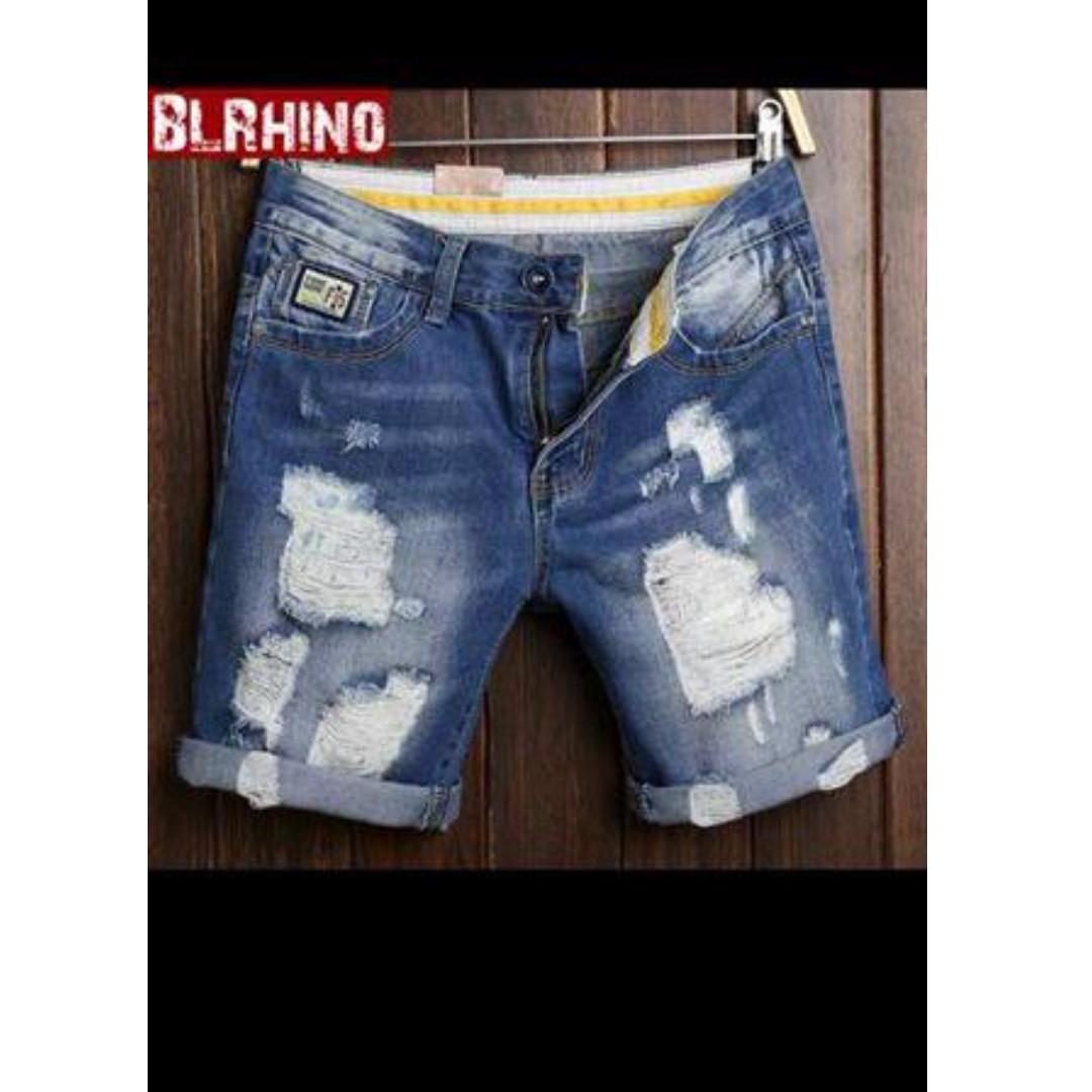 Men Tattered Shorts (Size 28)