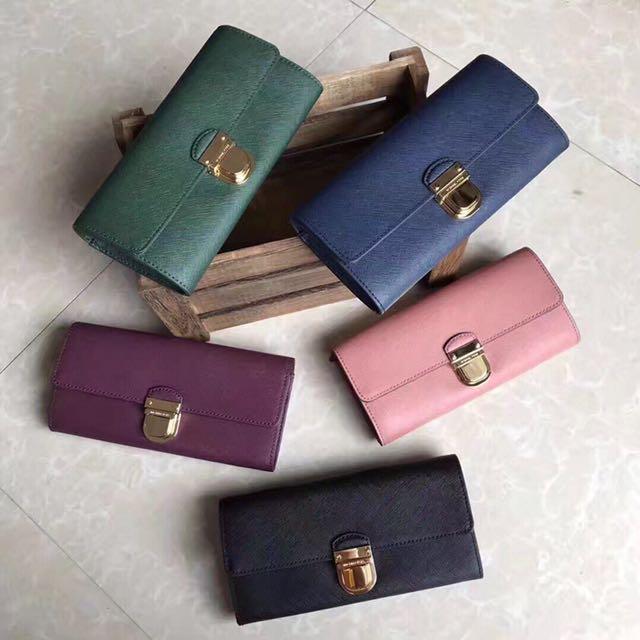 830367201300cb Michael Kors Bridgette Flap Saffiano Leather Wallet, Women's Fashion, Bags  & Wallets on Carousell