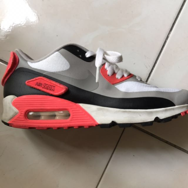 huge discount 874b8 19147 Nike Air Max 90 Infrared Patch Pack, Women s Fashion, Shoes on Carousell