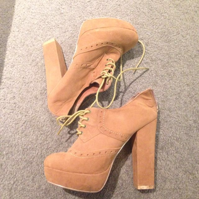 Novo Tanned Lace Up Heels
