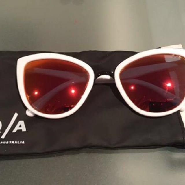 Quay My Girl White And Red/Pink Sunglasses
