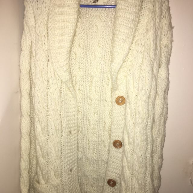 Really Comfy White Thick Cardigan