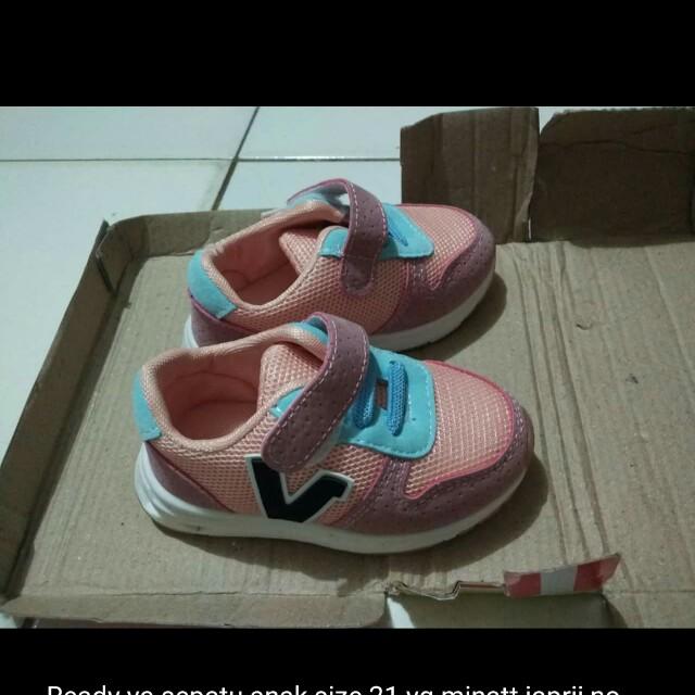 Sepatu import LN