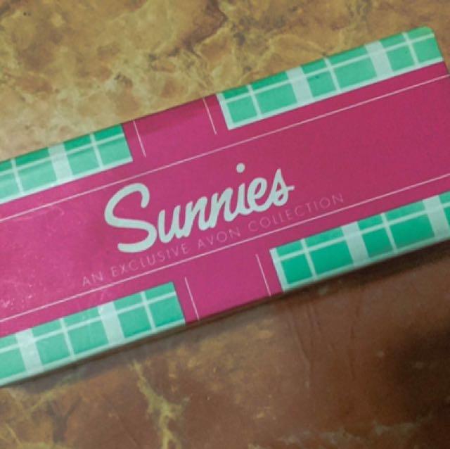 Sunnies : Izzy