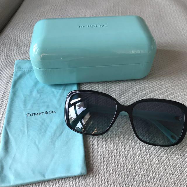 f5e81b57cfc Tiffany   Co. sunglasses 太陽眼鏡twist square bow sunglasses